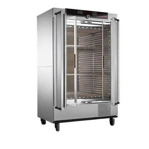 Wisconsin Oven Distributors ICP260-115V Memmert Compressor Cooled Incubator 115V Programmable Degrees C 260 L Black